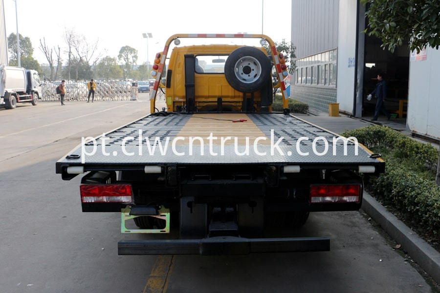 Flatbed Towing vehicle 4
