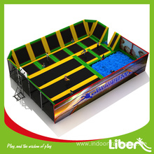Fitness trampoline with handle