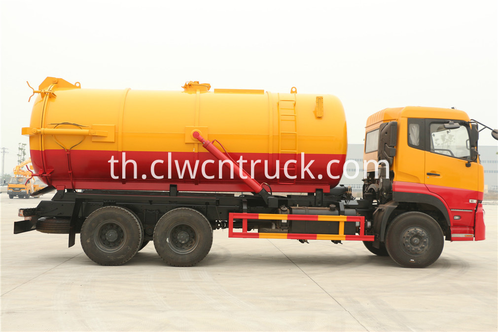 wasted water suction truck 3