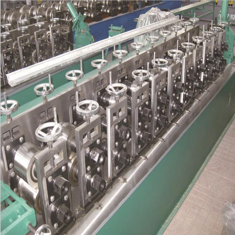 Metal And Galvanized Omega Roll Forming Machine