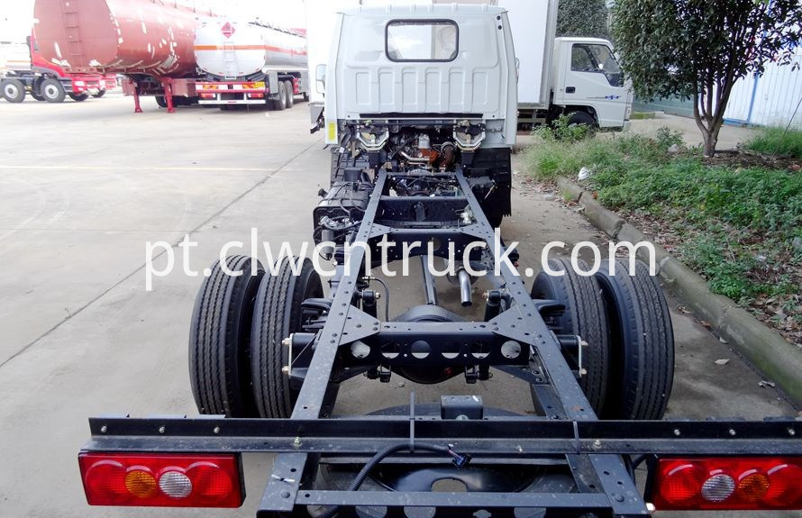 Medium Duty Towing truck chassis 4