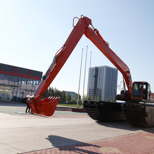 High-performance and stable amphibious excavator