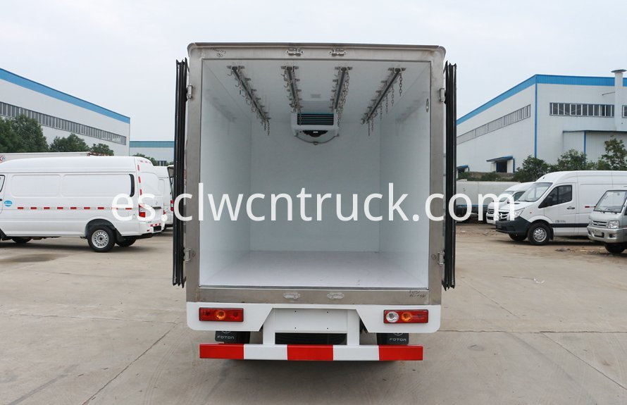 Mini refrigerated truck 6