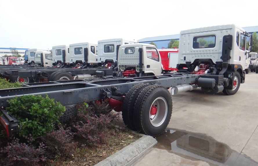 heavy duty recovery trucks chassis 4