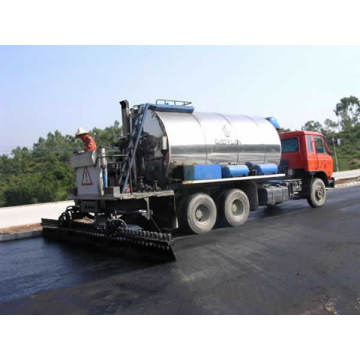 Spraying Emulsion asphalt machine