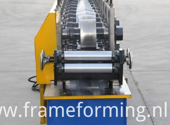 Main elements of Angle Channel Cutting Machine/ Light Steel Keel Roll Forming Machine 1.Decoiler 2. main roll forming machine 3.Cutting machine (normal cutting and flying track cutting saw)(as customer`s need choose ) 4.PLC control 5. Counter 1 set 6.hydraulic station