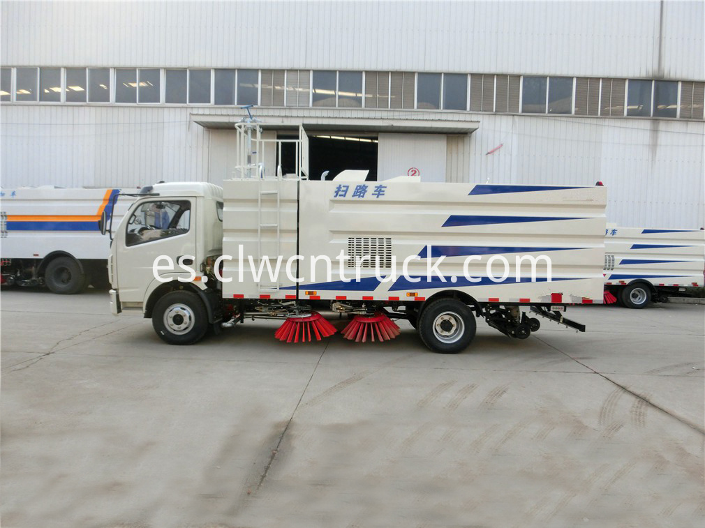 commercial sweeper truck 4