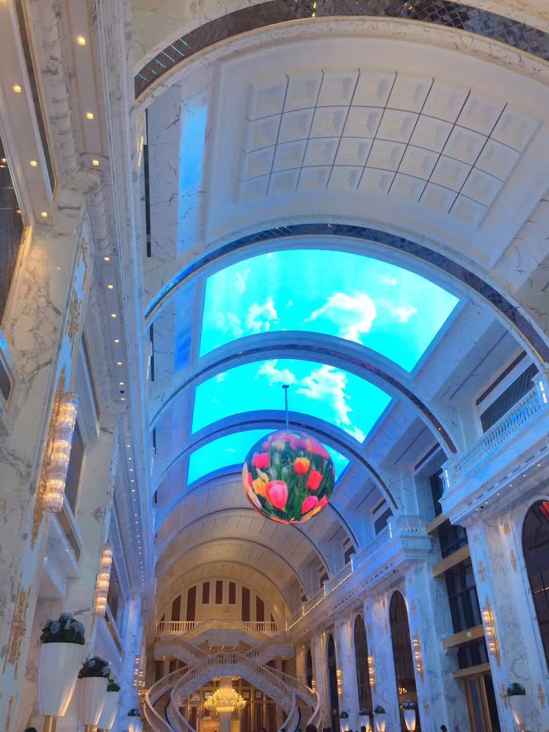 Ball shape LED display