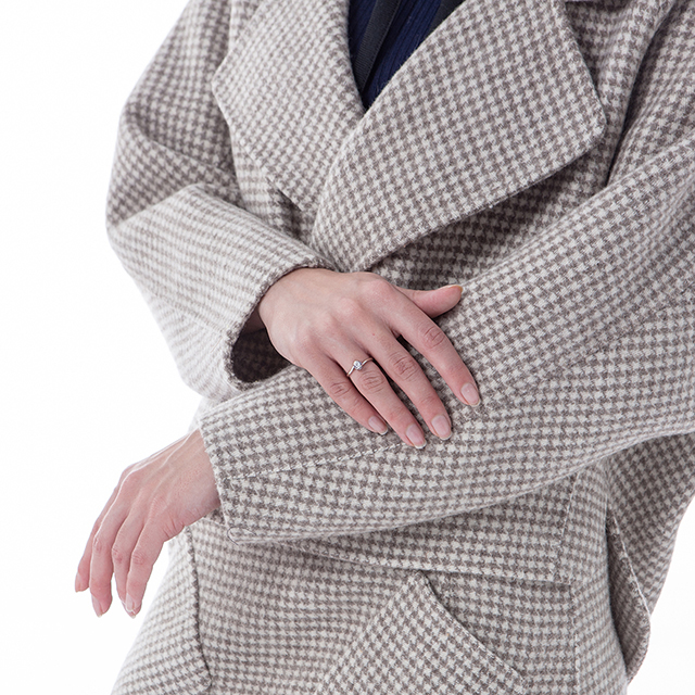 Details of the new fashionable cashmere suit