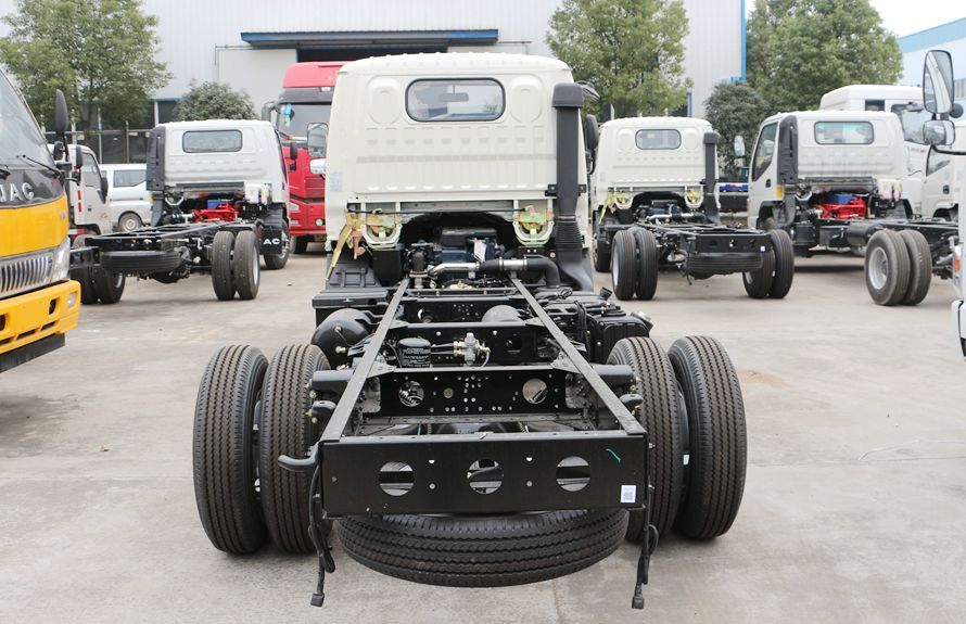 wrecker tow truck chassis 4