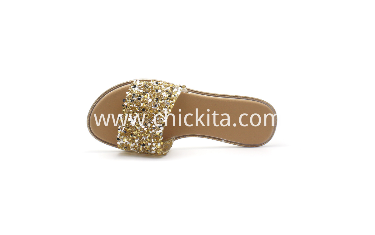 Ladies Lightweight and comfortable plastic shoes with decoration