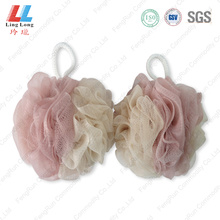 Handle cleansing soft mesh sponge