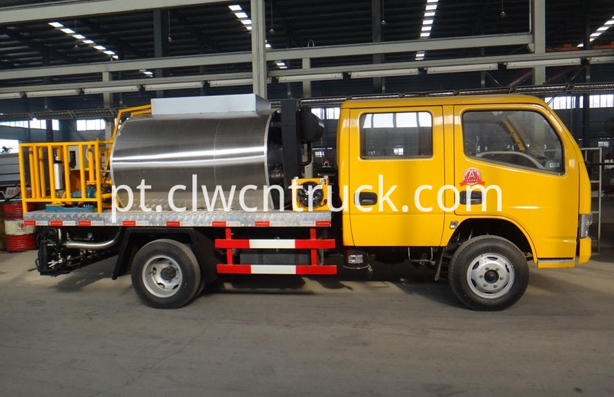 bitumen sprayer engine 1