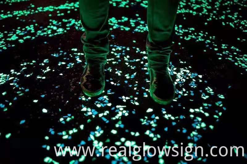 glow in the dark stone road