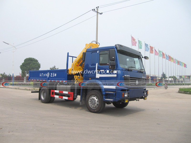 truck mounted crane 4tons