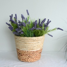 Round water hyacinth and maize rope flower decoration