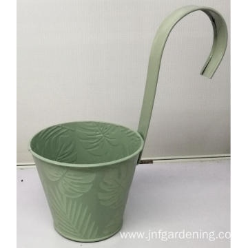 Red pattern decorative flower bucket