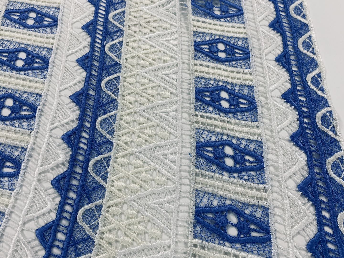 Heavy Polyester Guipure Embroidery Fabric