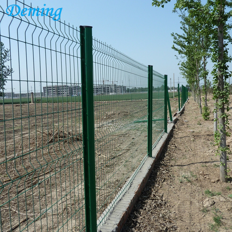 3D Curves Triangle Bending Fence For Garden