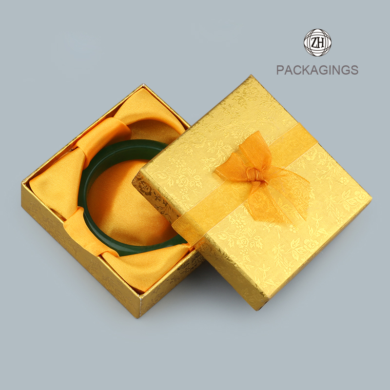 Foam insert small yellow necklace packaging box