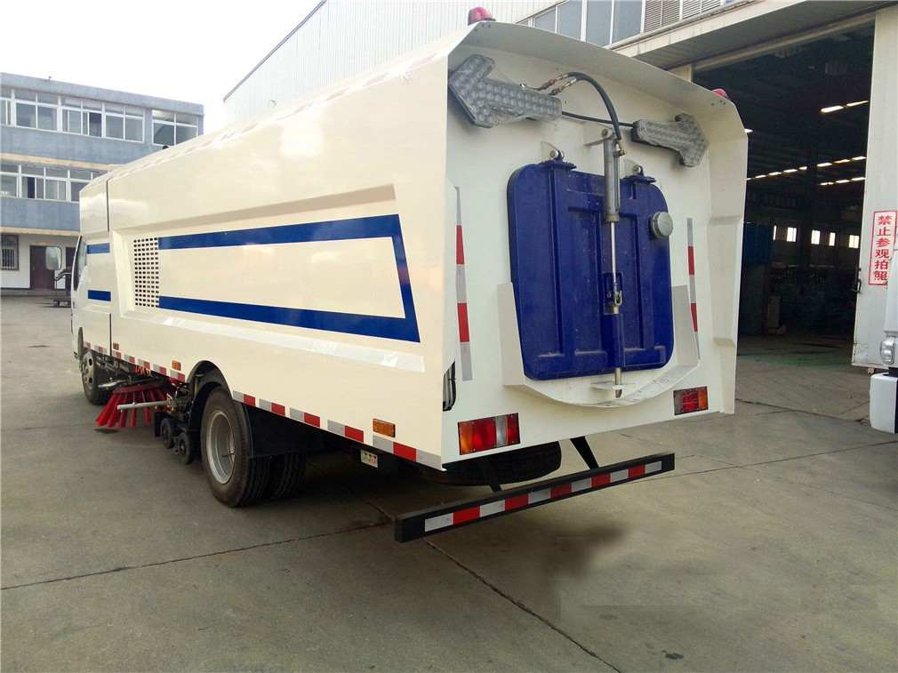 sweeper vacuum road truck 6