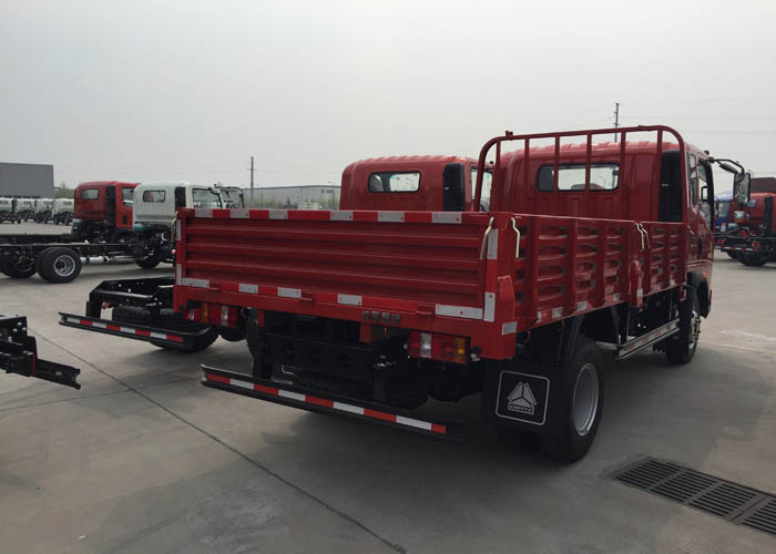 Howo Light Cargo Trucks