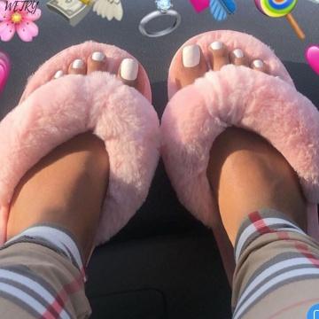 Winter Home Slippers 2020 New Fashion Women Faux Fur Warm Shoes Woman Slip on Flats Female Fur Flip Flops Pink Plus Size 36-41