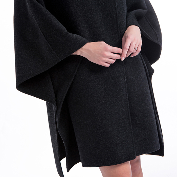 Sleeves of loose fashionable cashmere overcoat