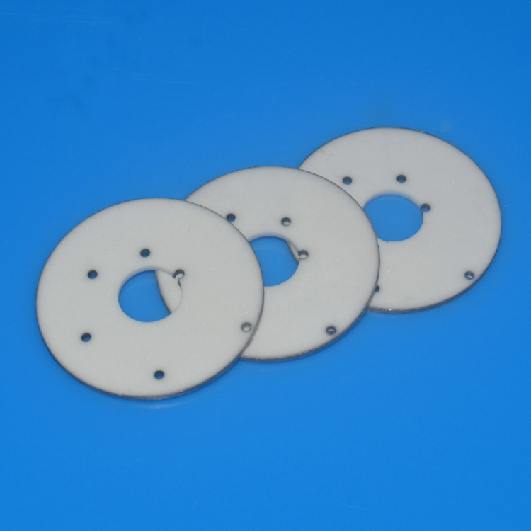Ceramic metallized spacer