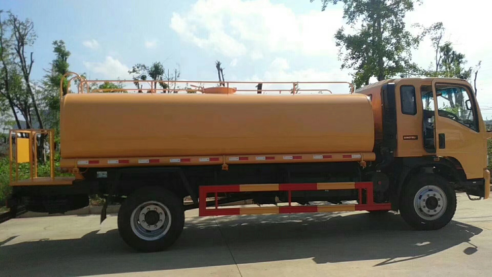 vehicle mounted water tank 2