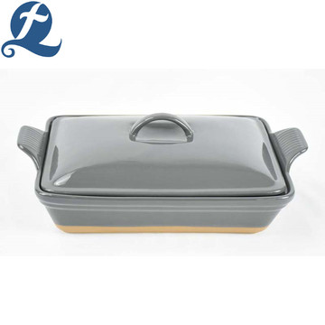China manufacture promotional ceramic handle bakeware with lid