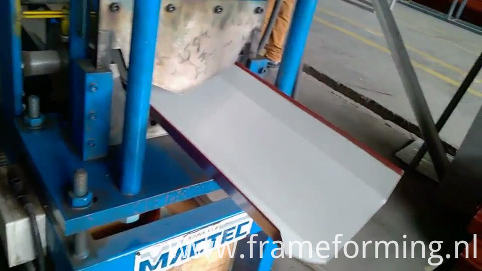 Step Tile Ridge Cap Forming Machine 06