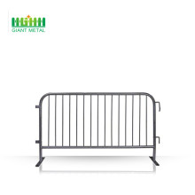 Portable crowd control fences panel