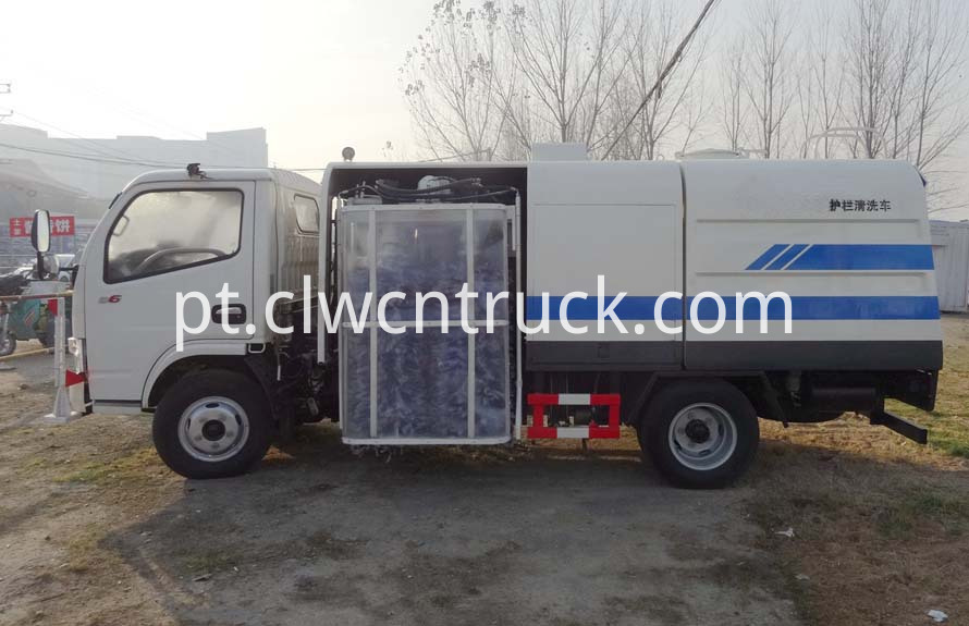 road guardrail cleaning truck 2