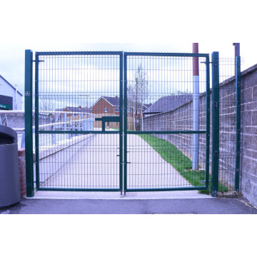retractable fence gate
