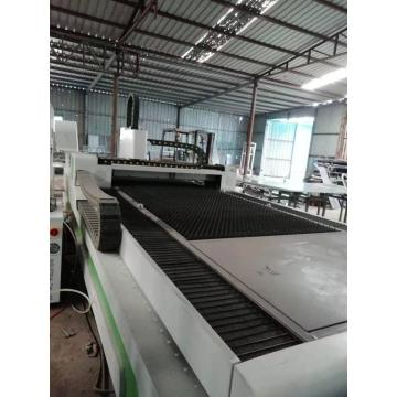 Luyue Laser Cutting Machine with Exchange Table