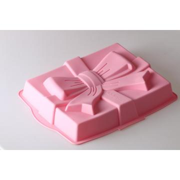Pink gift shaped baking mold