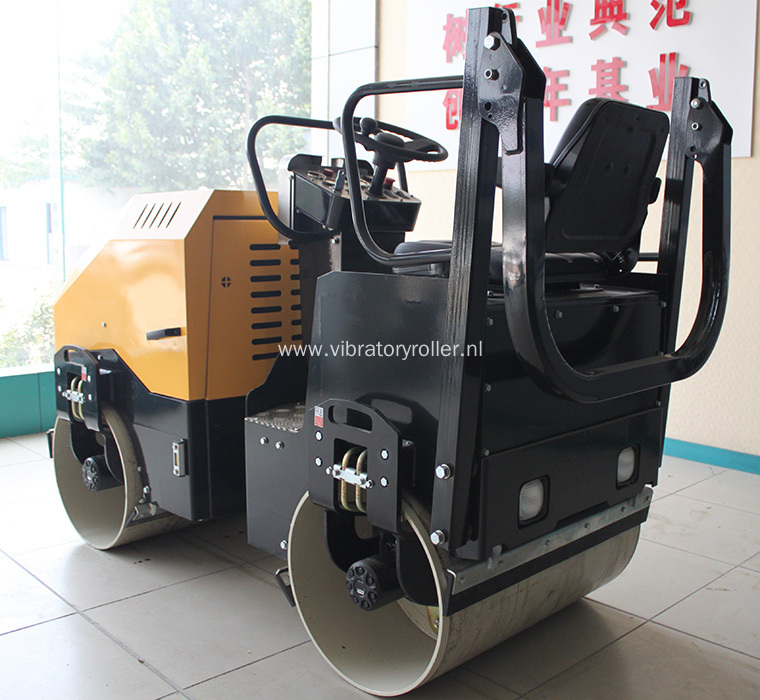 1.7 Ton Double Drum Small Vibratory Road Roller