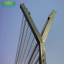 Factory Hot Dip Galvanized Welded Airport Fence