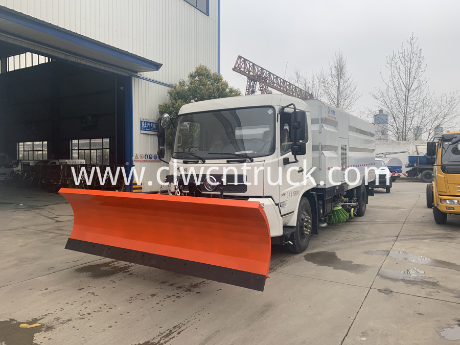 street sweeper cleaning truck 1