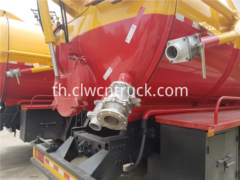 wasted water suction truck 5
