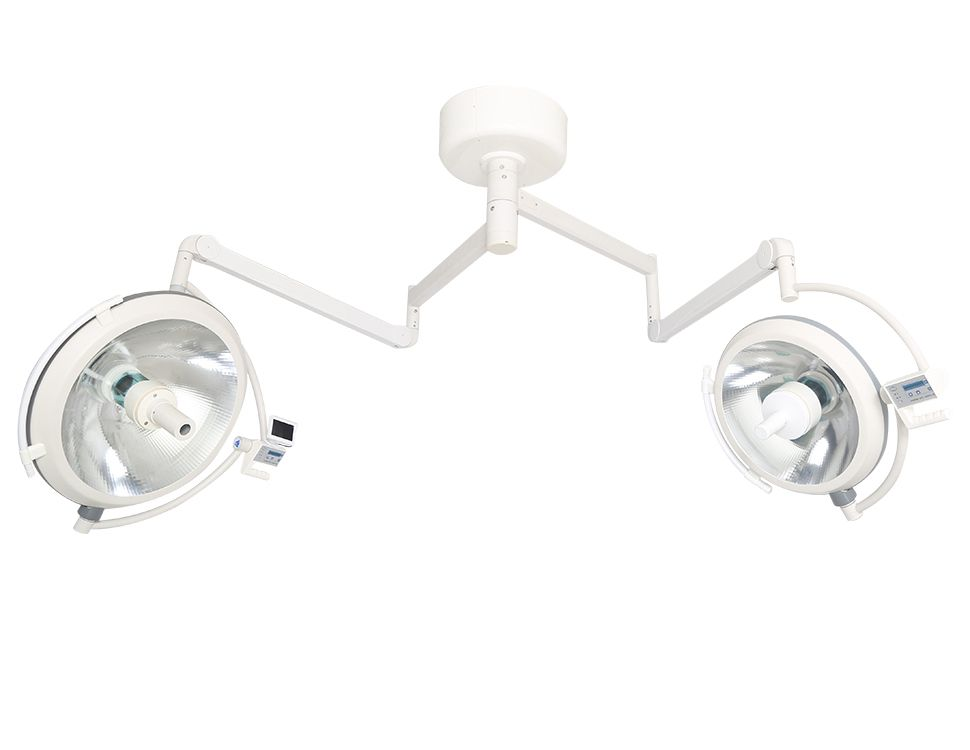 Ceiling halogen mounted operation lamp