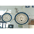 Camera round surgical lamp