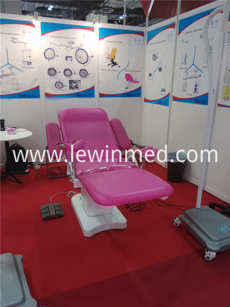 electric gynecological bed (17)