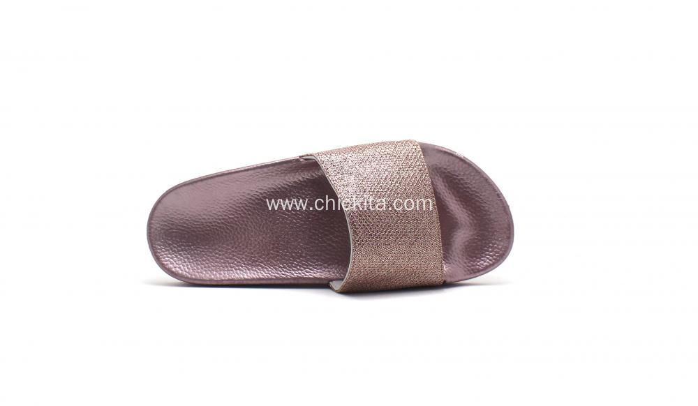Light-weight and comfortable slippers for ladies
