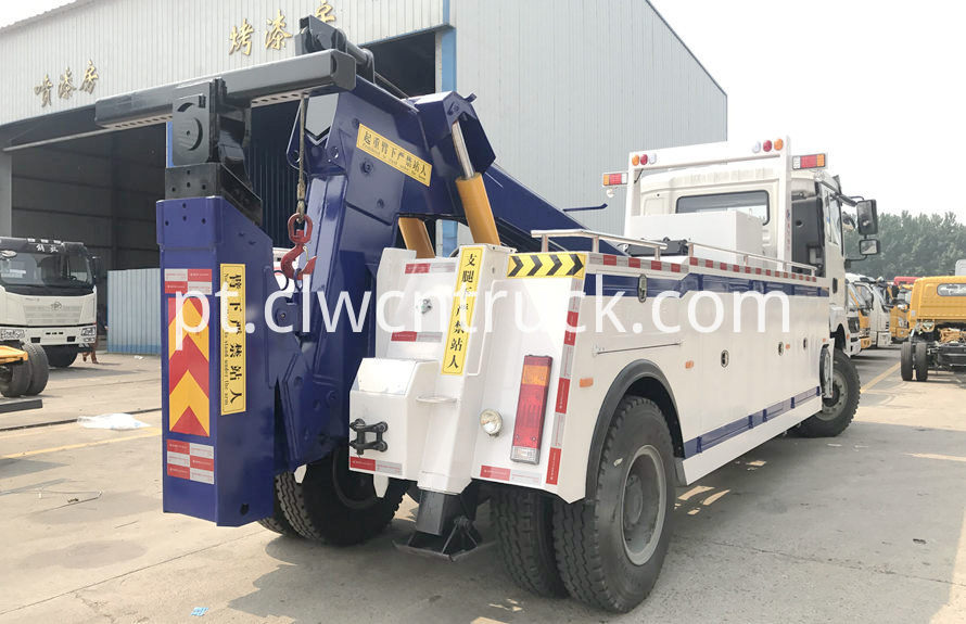 construction site towing vehicles 3