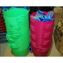 various color rubber horse feed buckets