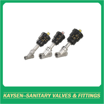 Sanitary male threaded angle seat valves