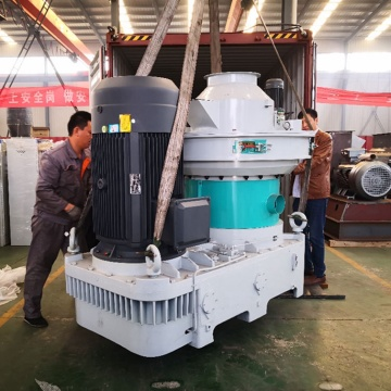 Diesel engine biomass wood pellet making machine