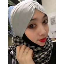 Grey knitted gauze scarf with flash